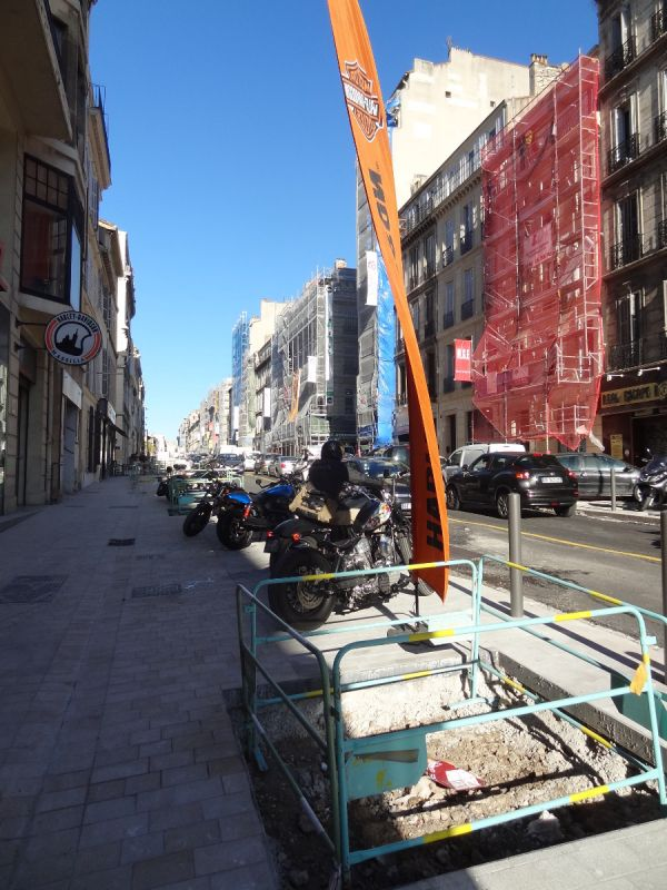 Cours Lieutaud, Marseille, 2020, pistes cyclable, moto, vélo, Harley Davidson